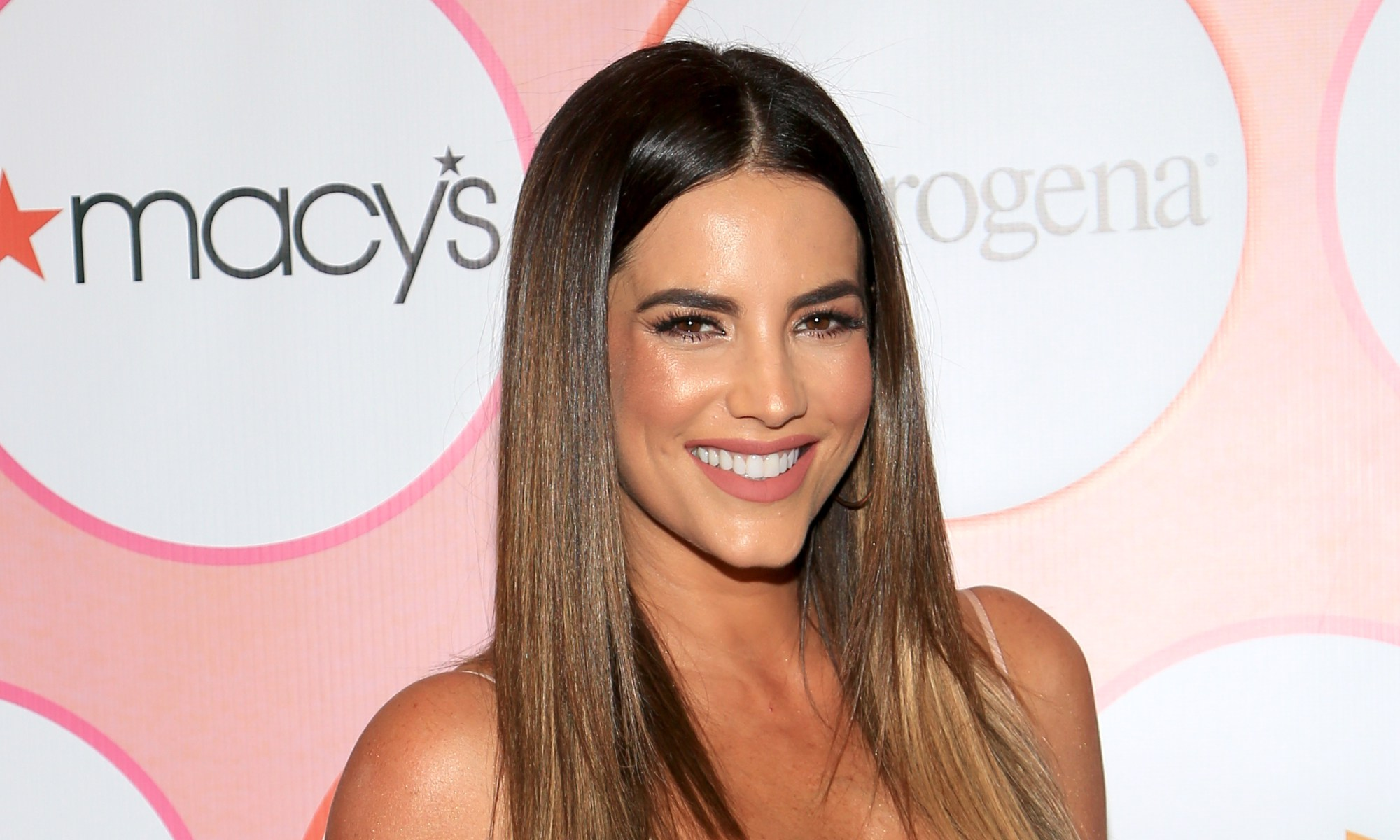 Gaby Espino Shows And Interrupts More Networks With Sensual Images Photos